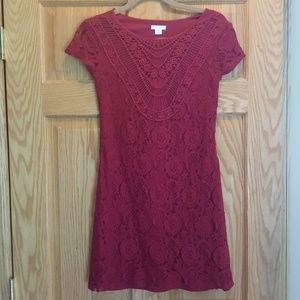 Lace shift dress in burgundy wine color size Small